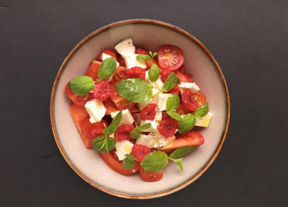 Recipe Salade de tomate – mozzarella & balsamique blanc tomate & basilic