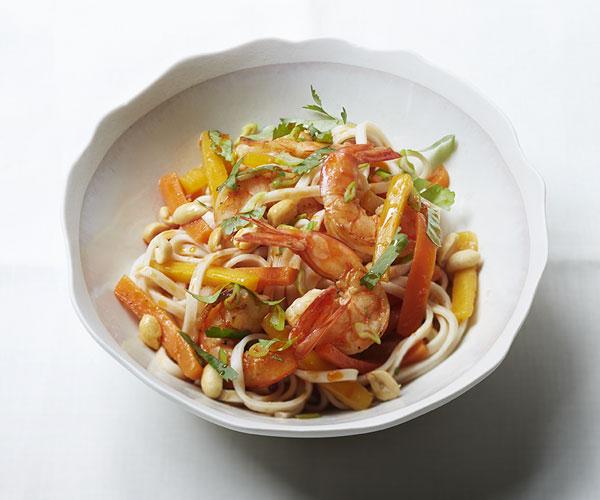 Recipe Tagliatelles asiatiques, crevettes pimentées, balsamique à la pomme & huile au piment